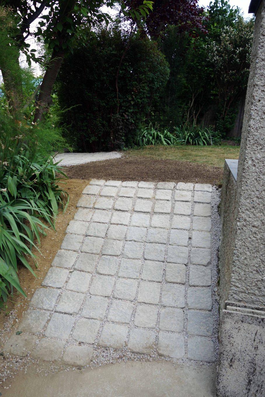 Pflasterarbeiten im Garten_03_kl