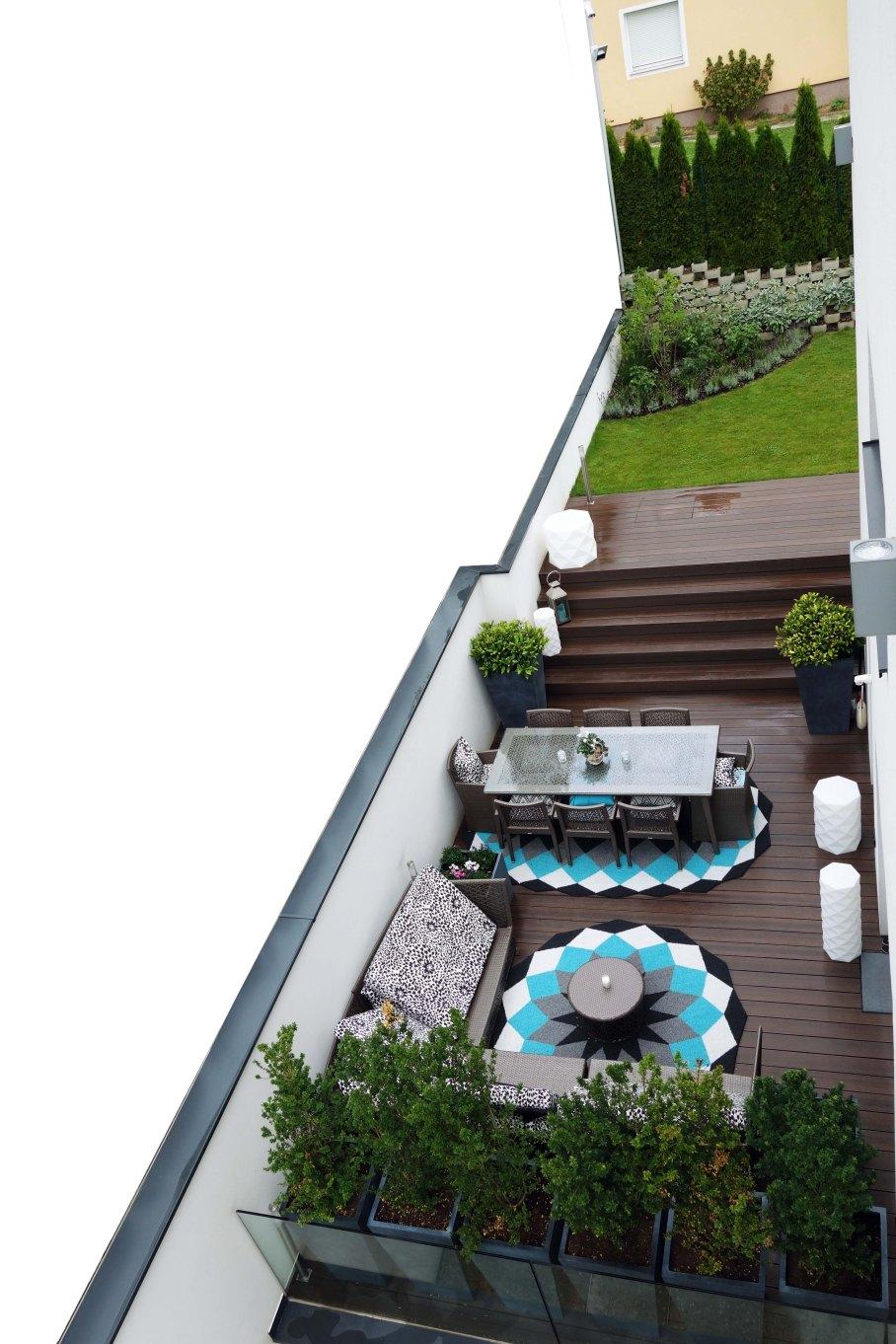 Pflanzgefäße auf Terrasse_02_kl